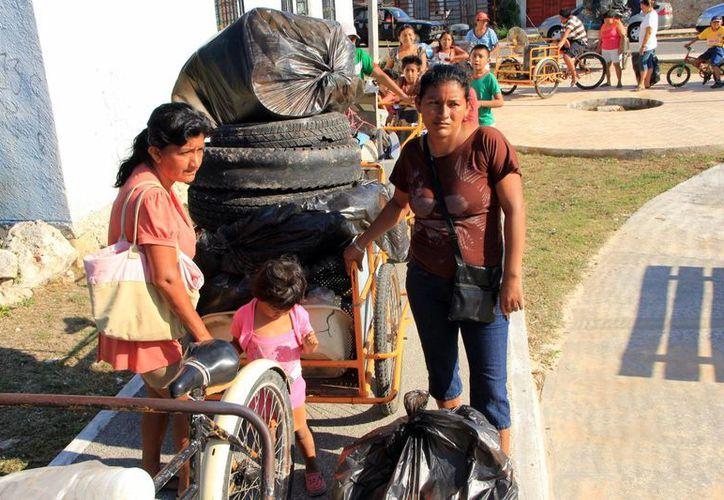 El gobierno ha emprendido nuevas estrategias para combatir el dengue en Yucatán, involucrando a la gente. (José Acosta/SIPSE)