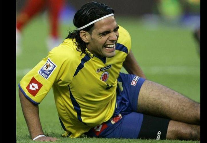 Herrera indicó que la lesión de Falcao deja en evidencia que en los torneos locales los jugadores no están pensando en el Mundial, sino en la entrega a su equipo. (Agencias)