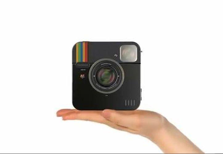 La cámara cuenta con 16 GB de almacenamiento interno y una ranura SC-HD para el almacenamiento masivo externo. (YouTube)