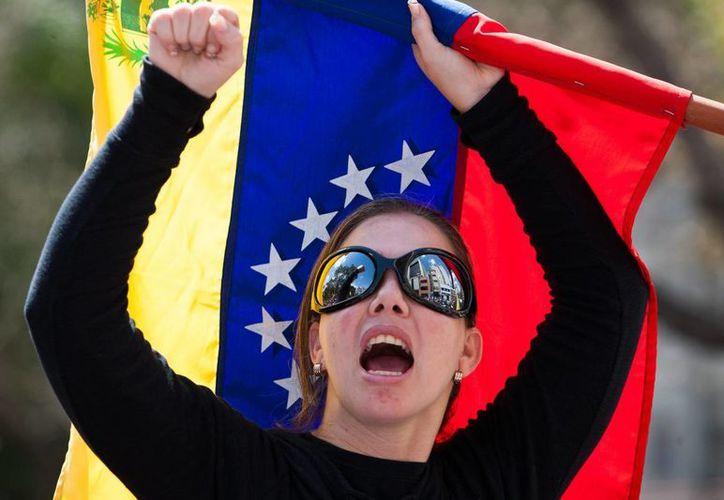 El jueves se registraron manifestaciones pacíficas en Caracas. (EFE)