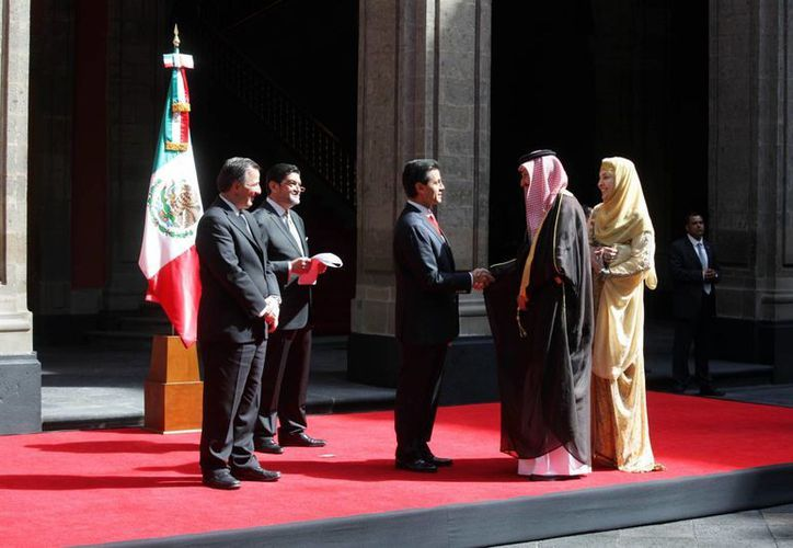 El presidente, Enrique Peña Nieto recibió las Cartas Credenciales de once nuevos Embajadores, en Palacio Nacional.  (Notiemex)