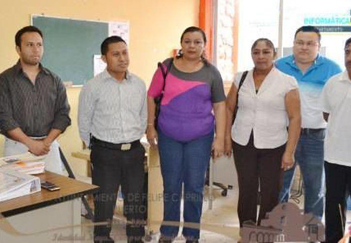 Francisco Javier Moreno tomó posesión ante la presencia de autoridades municipales. (Redacción/SIPSE)