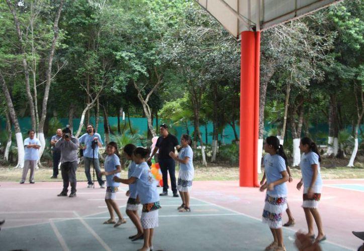 Los interesados en dar clases de yoga en escuelas públicas deberán certificarse. (Sara Cauich/SIPSE)