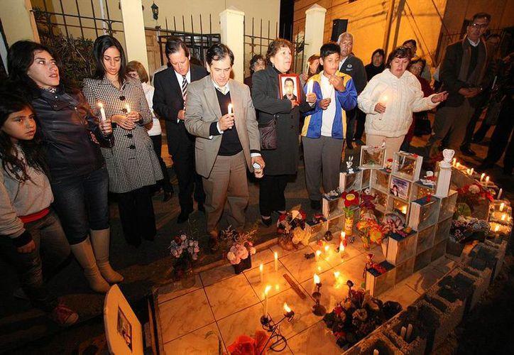 Inconformes realizaron un 'velatón' en las calles de Santiago. (auntespero.cl)