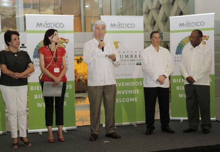 Inauguración de las muestras donde artistas de México y el Caribe exponen sus obras. (SIPSE)