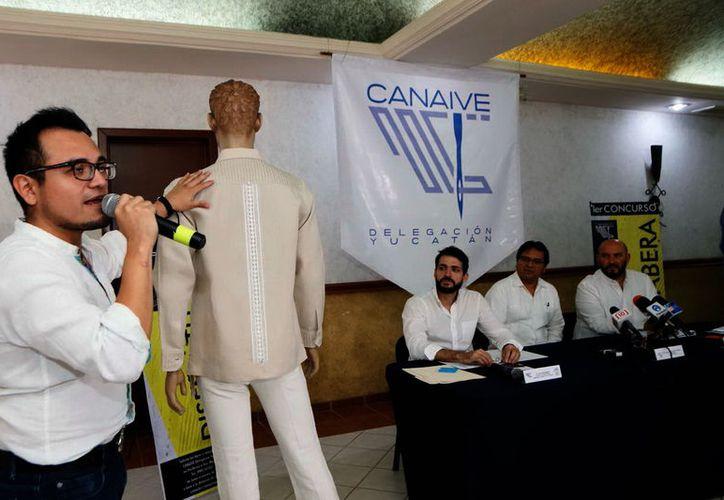 La presentación de los diseños que integran la marca Guayateca. (Foto: Milenio Novedades)