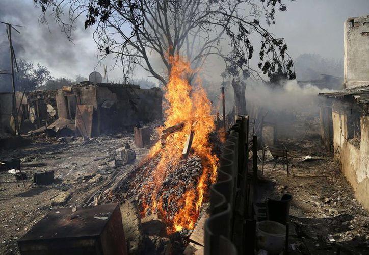 Las autoridades de Mariupol, Ucrania, reportaron fuertes explosiones el sábado.(AP)