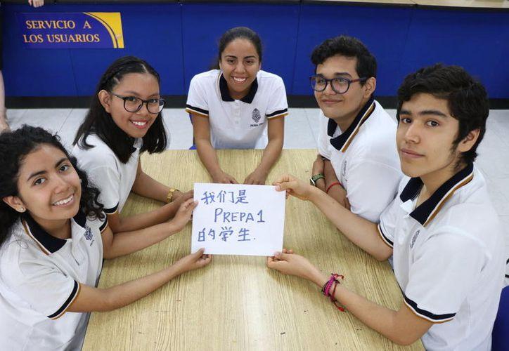 Obtuvieron calificaciones sobresalientes en los exámenes de chino. (Novedades Yucatán)