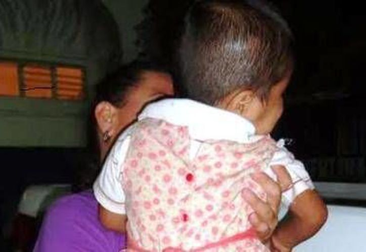 La menor fue resguardada por los elementos policíacos para salvar su integridad. (Redacción/SIPSE)
