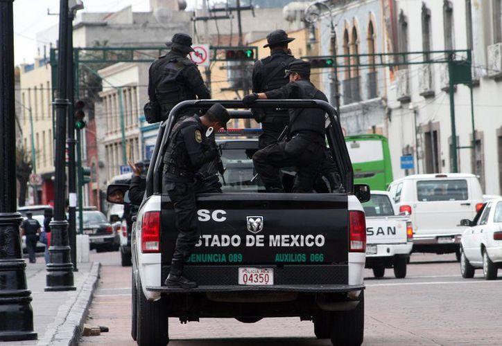 Elementos de la Policía del Estado de México evitaron el suicidio de un hombre. (Contexto/Internet).