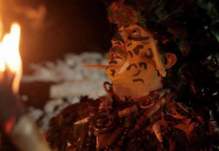 Las bodas mayas han llegado hasta países como Japón o Australia, pero en especial para gente de Europa, continente en donde cada día crece más el interés y admiración por los mayas. (Imágenes de contexto/ Facebook: Guerreros Mayas Urbanos)