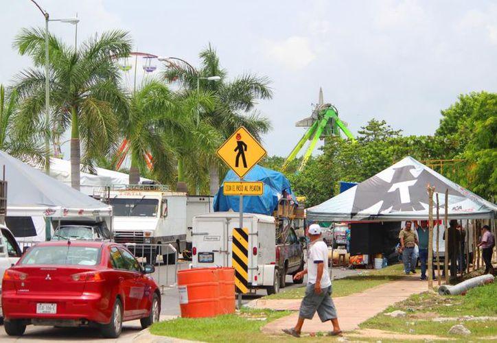 Todo listo para recibir a visitantes a la Feria de Playa. (SIPSE)