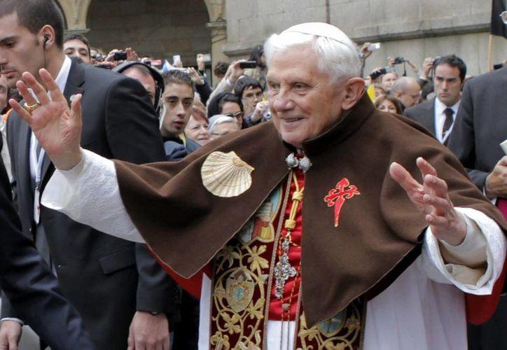 Benedicto XVI enfrentó un escándalo mundial de abuso sexual de religiosos durante su papado. (EFE)