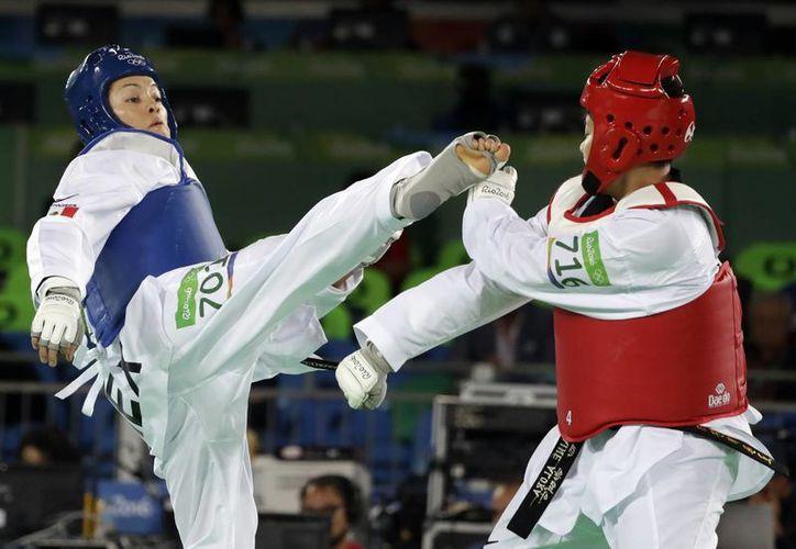 La mexicana enfrentará a la marroquí Wiam Dislam en Cuartos de Final, hoy, a las 13.30 horas. (Marcio Jose Sanchez/AP)