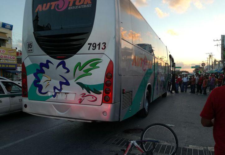 El accidente se registró sobre la avenida López Portillo. (Redacción/SIPSE)