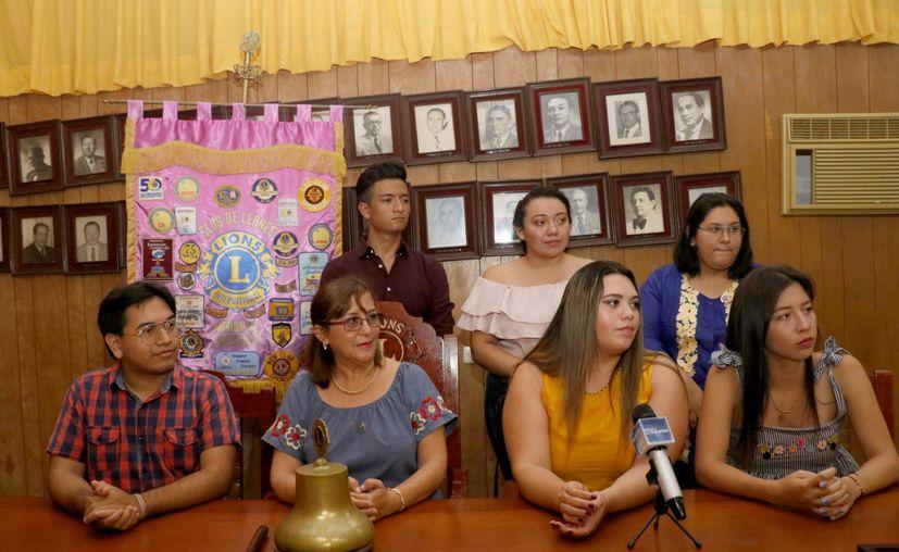 Labores a favor de la comunidad. (Foto: José Acosta/Novedades Yucatán)