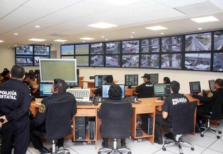 Con labor coordinada los agentes realizan operativos de videovigilancia en Yucatán. (Milenio Novedades)