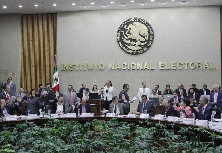 El Consejo General del INE también aprobó los lineamientos para la celebración de convenios de coordinación con los Organismos Públicos Locales Electorales de las entidades federativas. (Archivo/Notimex)
