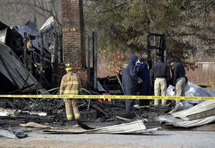 Los restos de seis personas fueron encontrados en la mañana y los investigadores buscan a los demás mientras trabajan para determinar la causa del siniestro, los integrantes de la familia la mayoría eran de bebés a adolescentes. (Agencias)