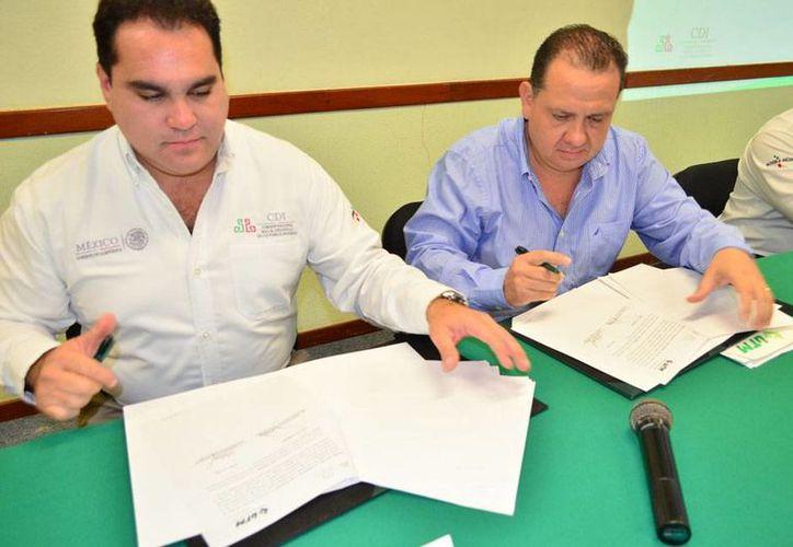 La UTM y la delegación Yucatán de la CDI firmaron un convenio para capacitar a productores indígenas para crear negocios. (Oficial)