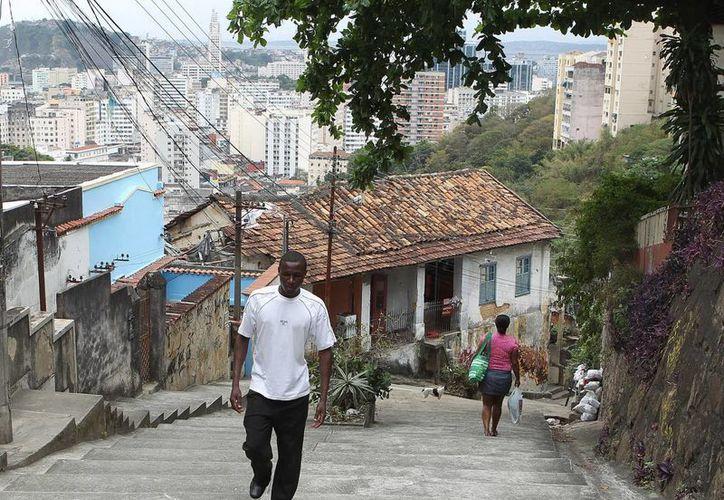 De los inmigrantes, mil 200 están en un alojamiento en Brasileia con capacidad para 200 personas. (EFE)