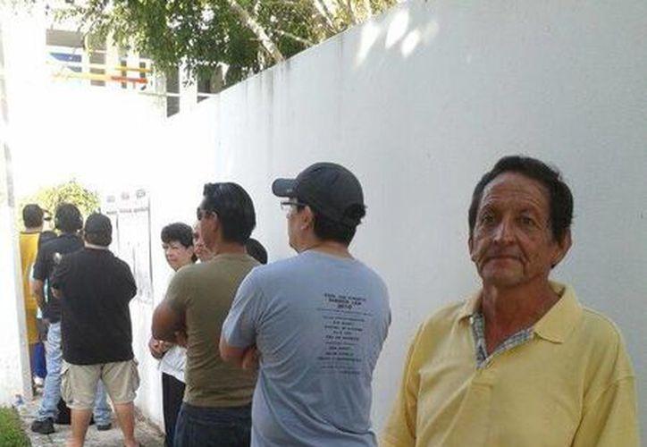 José de Jesús Barba es uno de los ciudadanos que prefiere ser de los primeros en participar. (Licety Díaz/SIPSE)