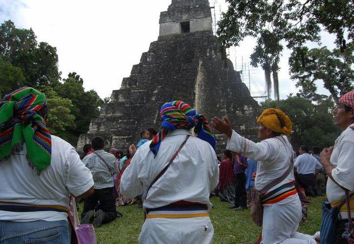 De acuerdo con el historiador yucateco Sergio Angulo Uc, los mayas rebeldes del norte de Yucatán tendían a huir a la zona del Petén Itzá, en el sur de la Península. (elperiodico.com.gt)