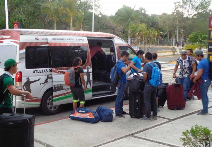 Un grupo de 12 jóvenes chetumaleños participarán en concentrado de halterofilia. (Ángel Castilla/SIPSE)