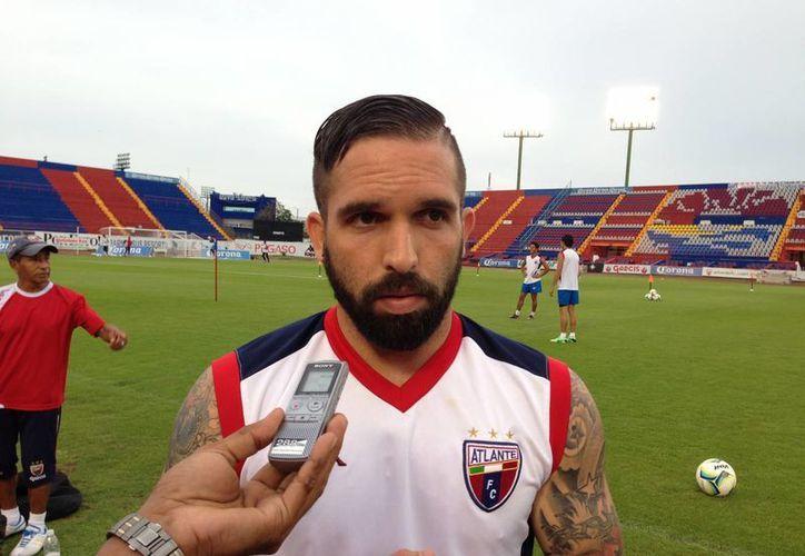 Manifestó que viene con todas las ganas para ocupar un lugar en el equipo. (Raúl Caballero/SIPSE)