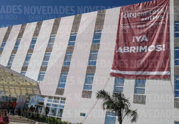 Inauguraron los hoteles City Express Plus y City Express Suites Cancún Aeropuerto. (Harold Alcocer/SIPSE)