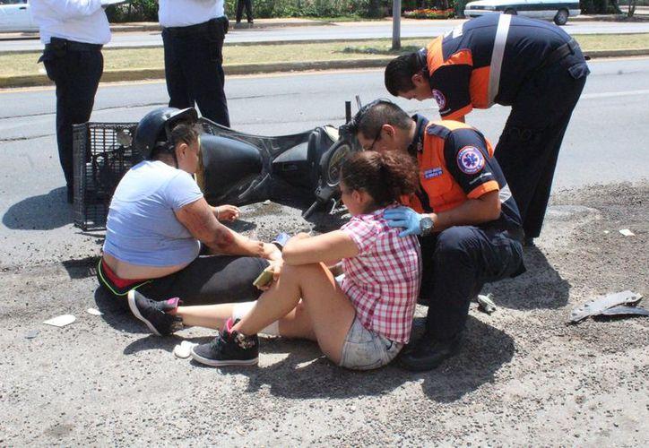 Las lesiones en las víctimas no fueron tan graves, sin embargo, tuvieron que ser trasladadas al hospital. (Redacción/SIPSE)