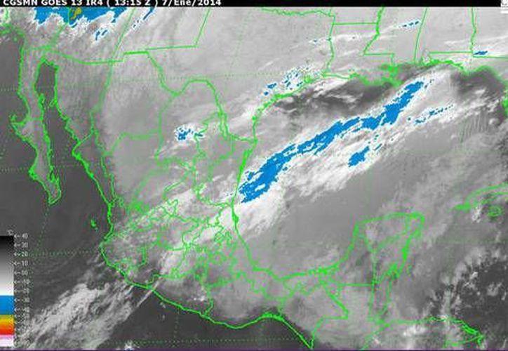 El frente frío número 24, ubicado en la región sur del Golfo de México, se mueve rápidamente al sureste. (Conagua)