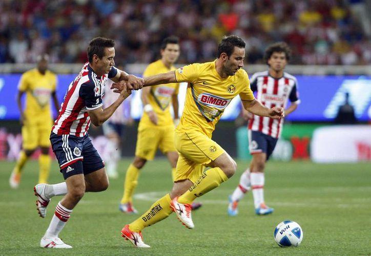América humilló con goliza de 4-0 a Chivas en el estadio Omnilife. (Notimex)
