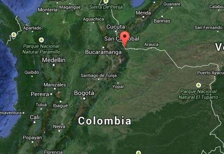 Los operarios fueron interceptados entre las localidades colombianas de Saravena y Cubará, Colombia. (Google Maps)