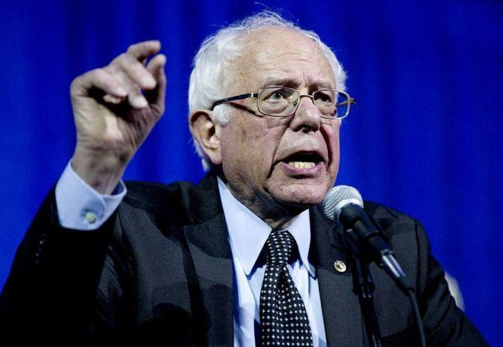 Bernie Sanders compite contra Hillary Clinton por la nominación demócrata para las elecciones generales de noviembre próximo. (AP)