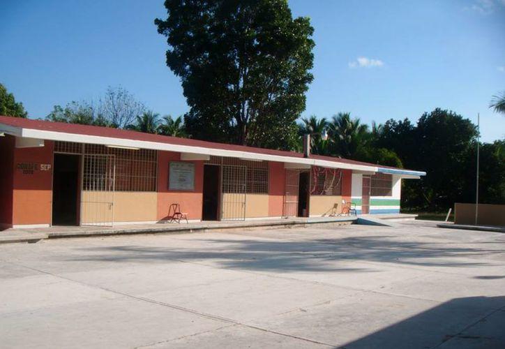Invertirán aproximadamente 40 mil pesos por cada baño inclusivo que se construya. (Redacción/SIPSE)