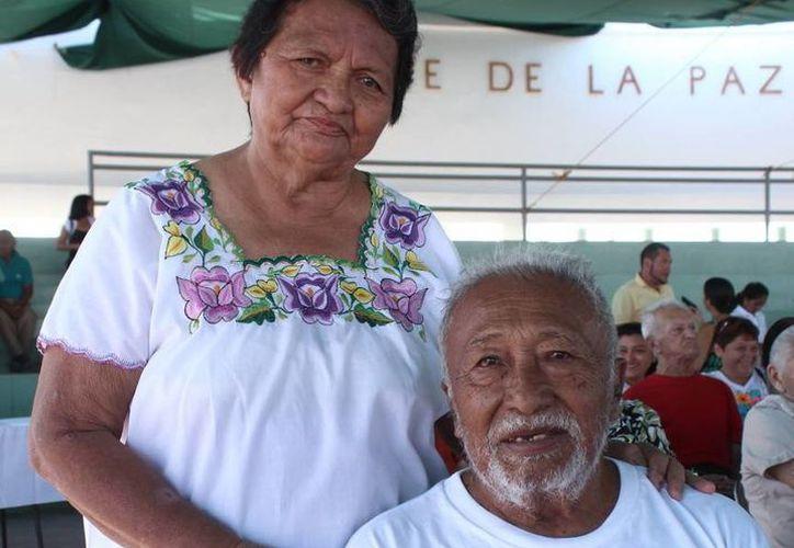 Rosa y Julián tienen siete años de casados. (SIPSE)