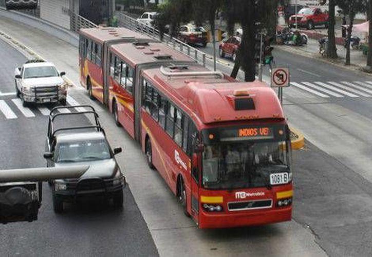 La Línea 5 contará con 24 autobuses articulados. (Milenio)