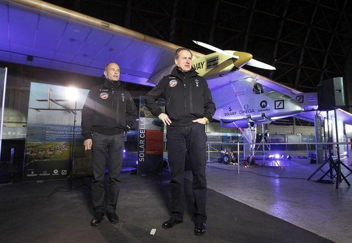 Los creadores del Solas Impulse, para 2015, volarían alrededor del mundo en una versión mejorada del avión. (Agencias)