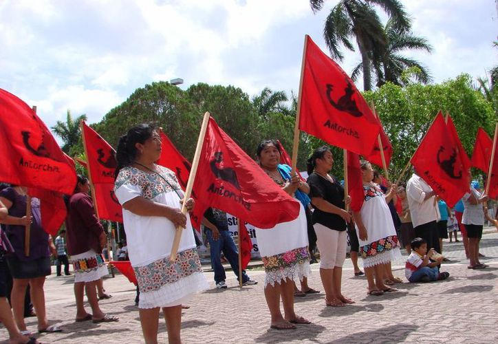 Los campesinos demandaban materiales para vivienda, insumos agropecuarios, construcción de infraestructura social, ampliaciones de luz, agua y acceso a sus poblados. (Manuel Salazar/SIPSE)