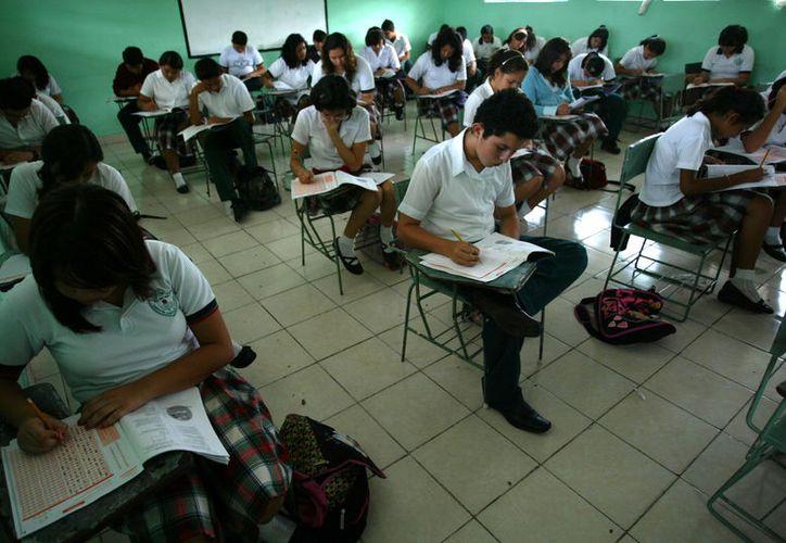 De acuerdo con el INEE, la escolaridad promedio en Yucatán es de tercer grado de secundaria. (Foto: Milenio Novedades)