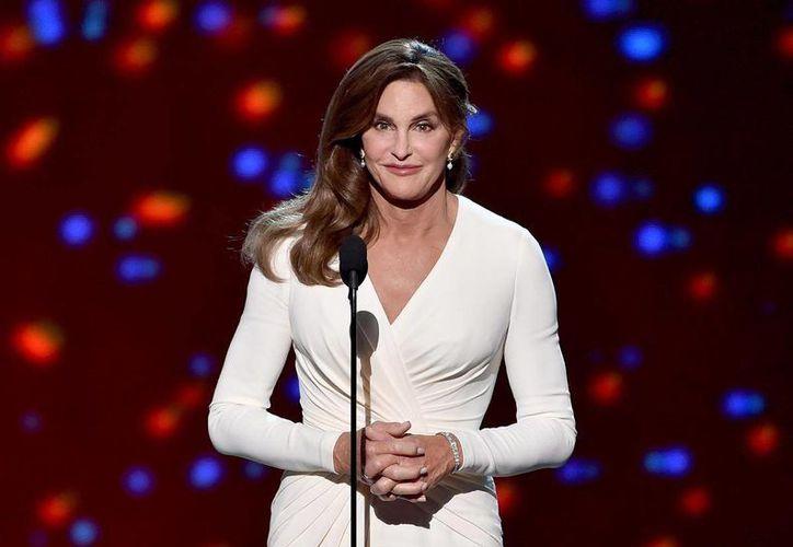 Caitlyn Jenner puso de pie a algunas de las estrellas más reconocidas del mundo del deporte tras su discurso en la ceremonia anual de los premios ESPY, donde recibió el galardón Arthur Ashe al Valor. (nydailynews.com)