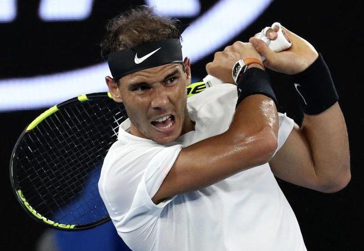 Rafael Nadal compitió en el Abierto de Australia, luego de estar fuera de las canchas por varios meses, debido a una lesión en la muñeca.(Aaron Favila/AP)