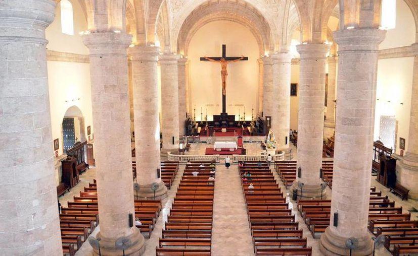 Los templos religiosos solo permitirán el 30 por ciento de aforo para evitar posibles contagios. (Novedades Yucatán)
