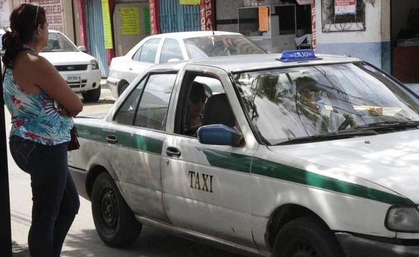 El servicio 'Taxi Quejas' detalló la sanción para el operador. (Redacción/SIPSE)