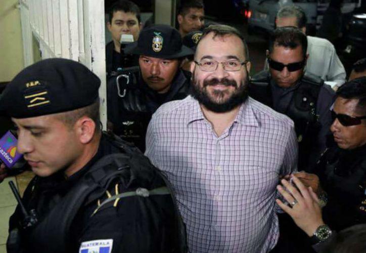 El ex gobernador Javier Duarte, se encuentra preso en el Reclusorio Varonil Oriente, es acusado de diversos delitos entre ellos enriquecimiento ilícito, lavado de dinero. (Foto: Proceso)