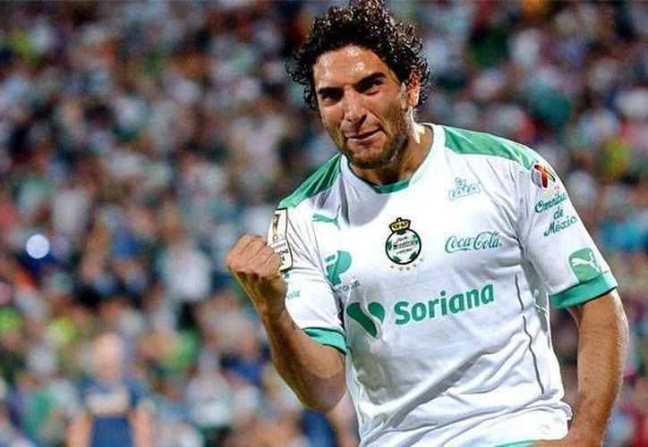 Martín Bravo fue el autor del segundo gol de la oncena de Santos Laguna, este viernes en el inicio de la jornada 13 de la Liga MX. (Notimex)