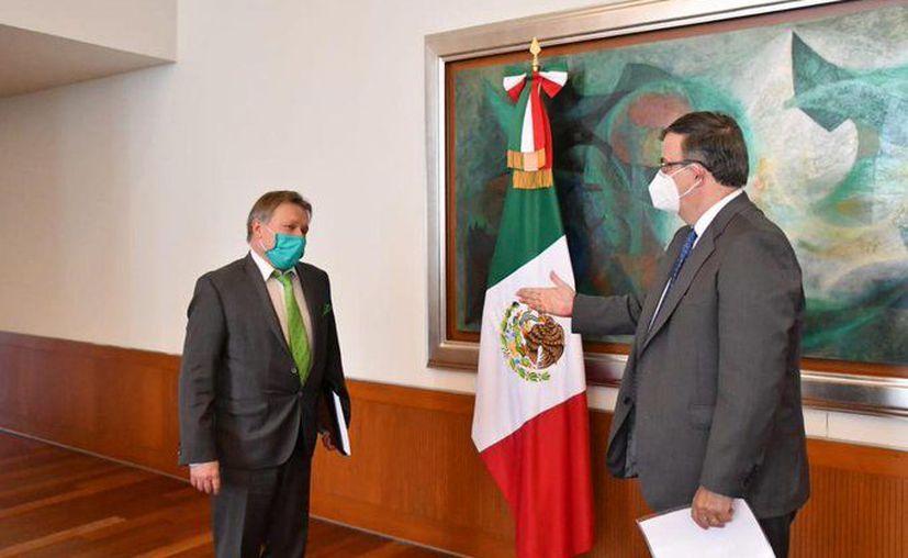 """El gobierno de México externó su interés al gobierno de Rusia en que el país participe en la fase 3 de la vacuna contra el nuevo coronavirus """"Sputnik V"""", desarrollada en el país gobernador por Vladimir Putin. (Foto: Twitter)."""