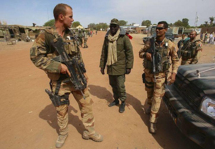 Los periodistas fueron raptados en Kidal a las 13:00 horas. En la gráfica, soldados galos en Mali. (EFE)