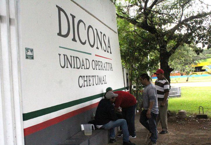 El dinero que fue hurtado esta mañana en la bodega de Diconsa, era para el pago de prestaciones. (Daniel Tejada/SIPSE)